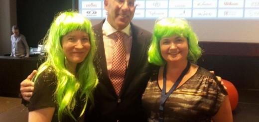 """Lappeenrannan kamarin """"vihreät"""" tytöt kera Bruce Oreckin Eurooppakokouksessa"""