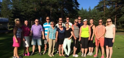 Kamarilaisia Kotkasta, Mäntsälästä, Lahdesta, Kouvolasta ja kokoontui Kotkaan perehtymään golfin saloihin